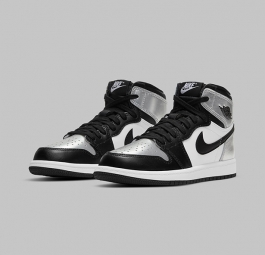 Wmns Air Jordan 1 Retro High OG Black Silver Toe